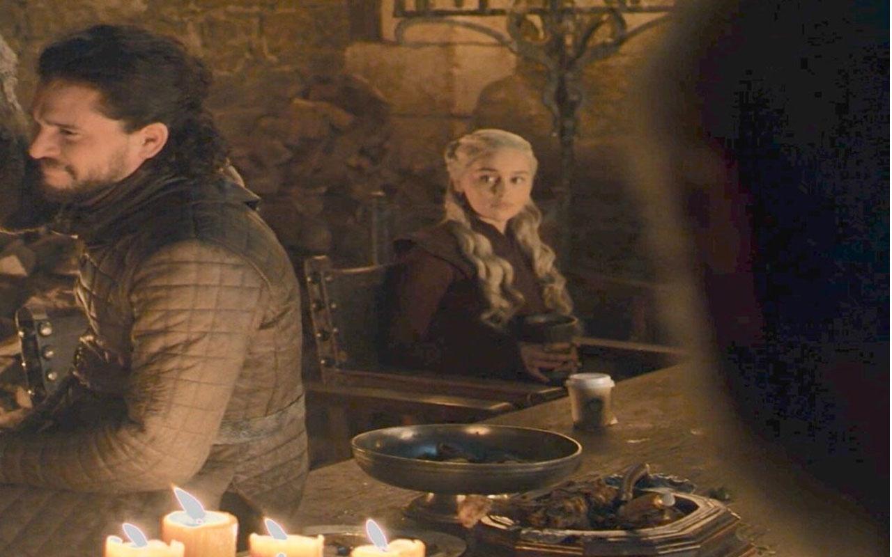 Reklamcılık tarihindeki en büyük değer! Game of Thrones'taki kahve bardağının reklam değeri belli oldu