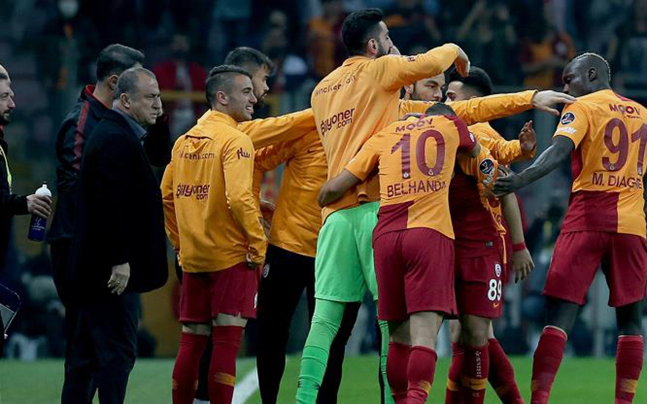 Galatasaray'da bir formaya üç aday Terim kimi seçecek?