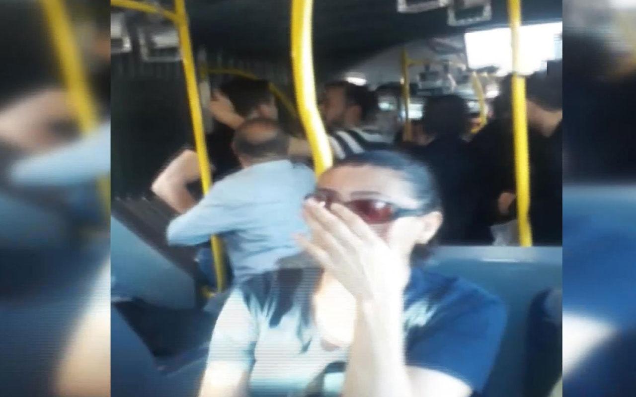 Metrobüste küfürlü yer kavgası kamerada