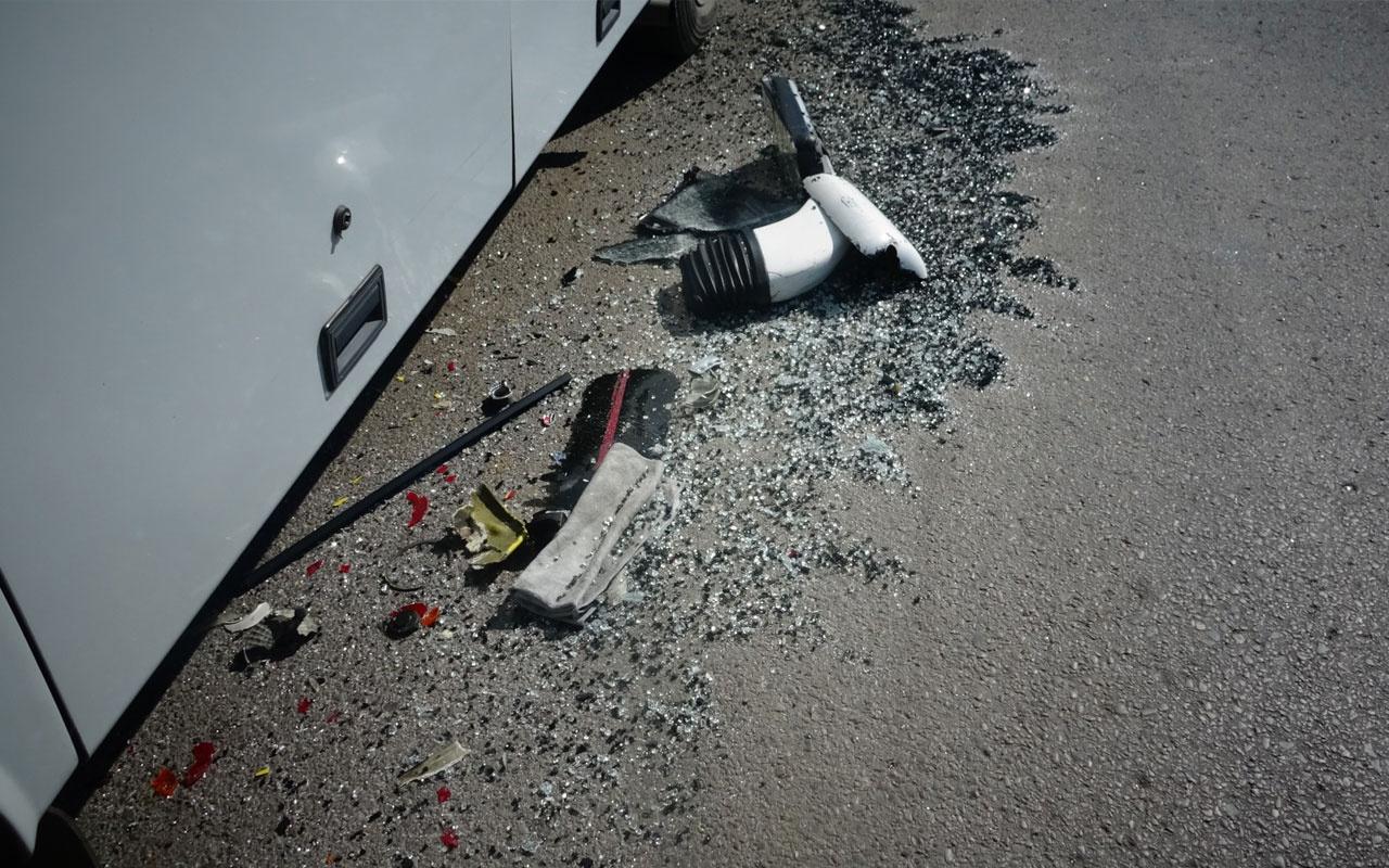 Freni patlayan minibüs İETT otobüsüne çarptı