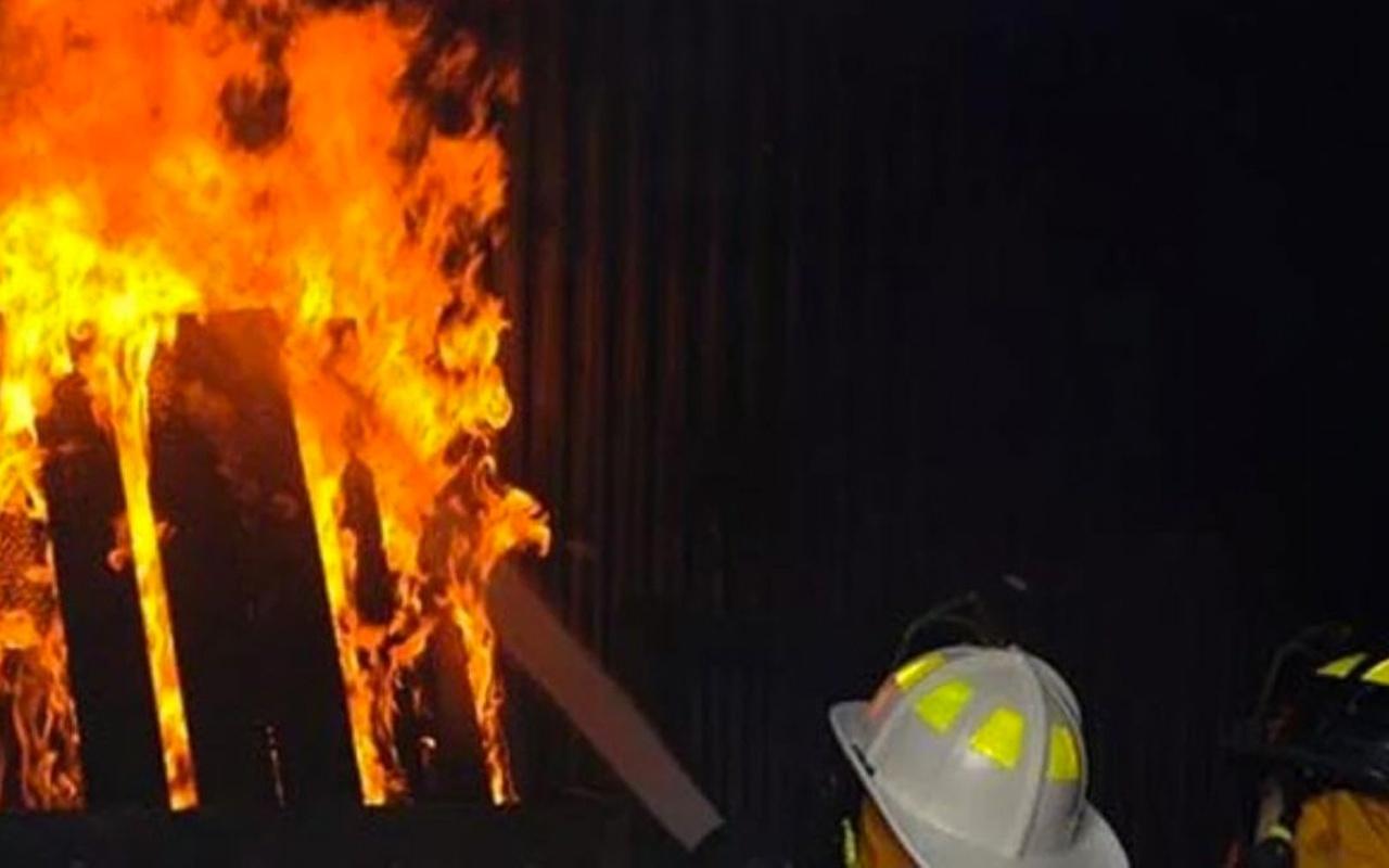 ABD'de bir camide yangın çıktı