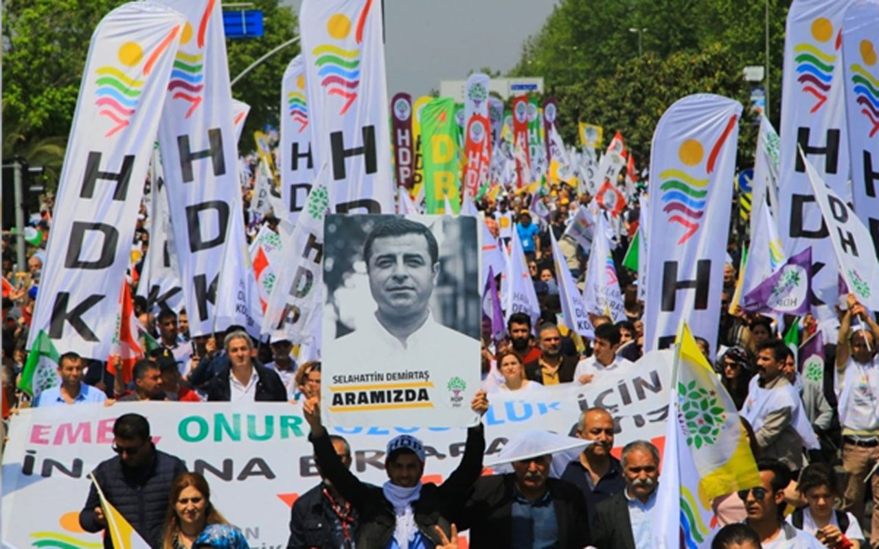 HDP seçmeni sandığa gitmeye ikna etmek için kapı kapı dolaştı