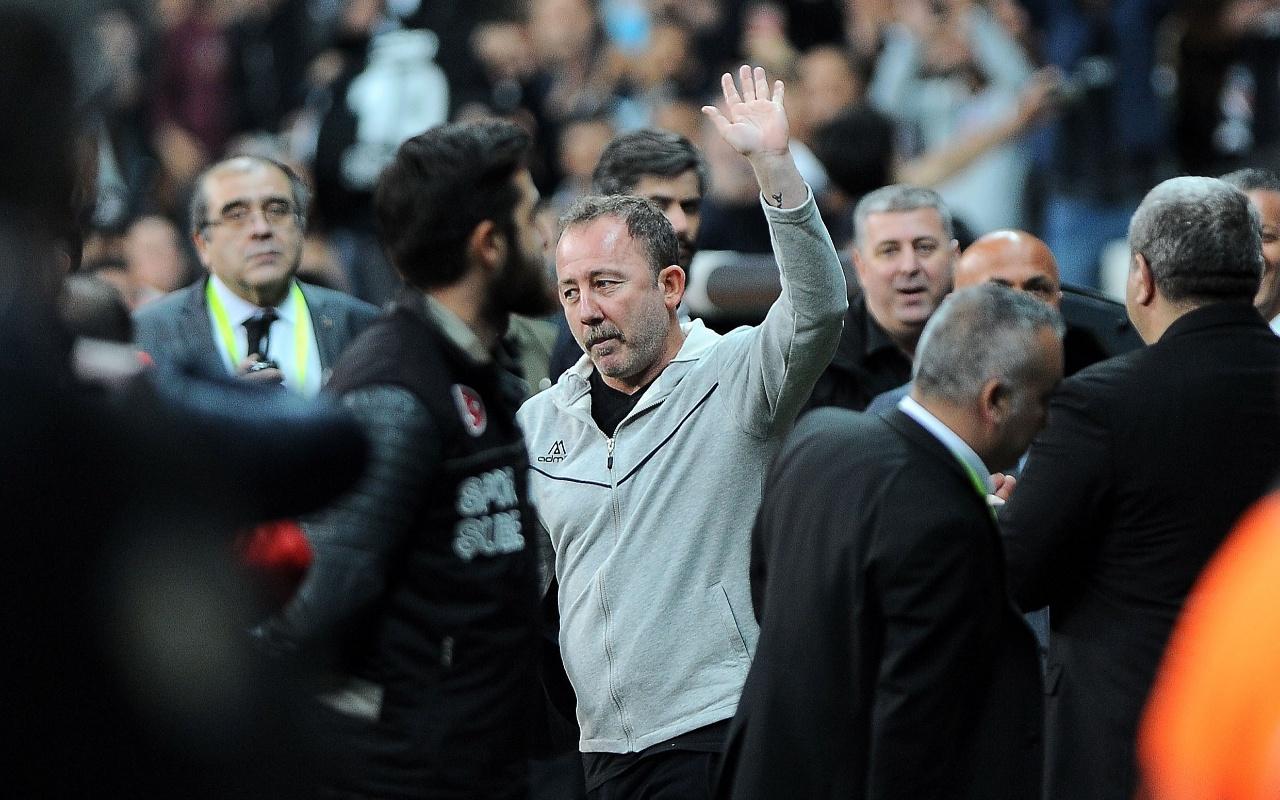Beşiktaş'ın teknik direktörü Sergen Yalçın olacaktı direkten döndü
