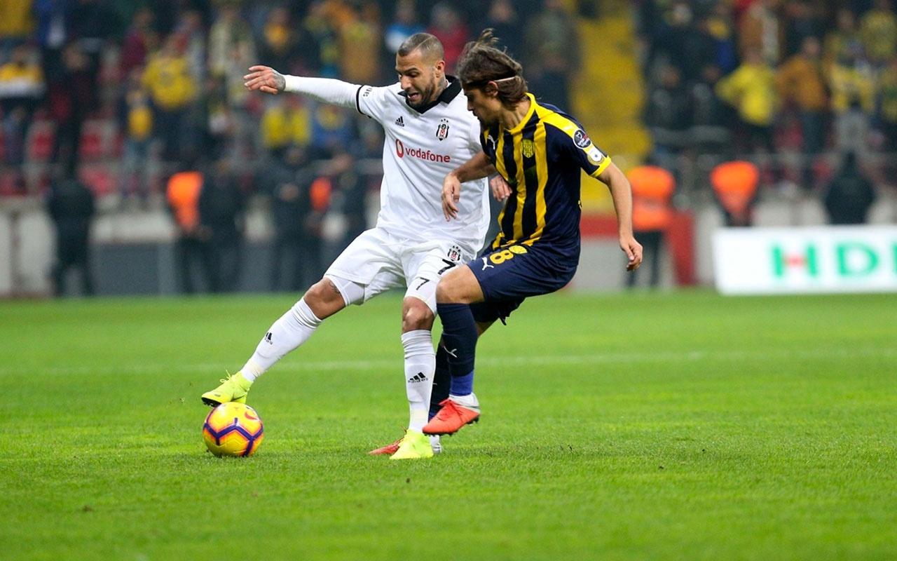 Beşiktaş, Adriano'nun yerine Tiago Pinto