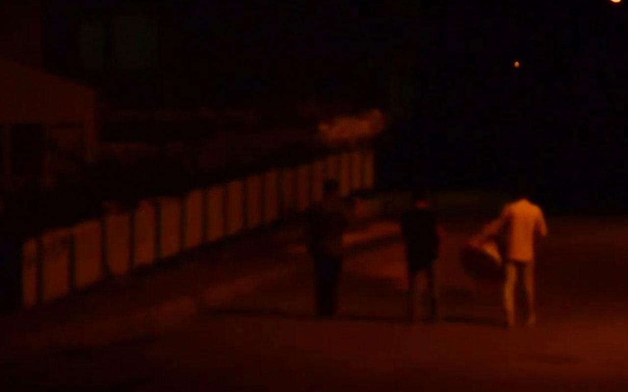 İzmir'in Ramazan davulcusu sahurda İzmir Marşı çaldı