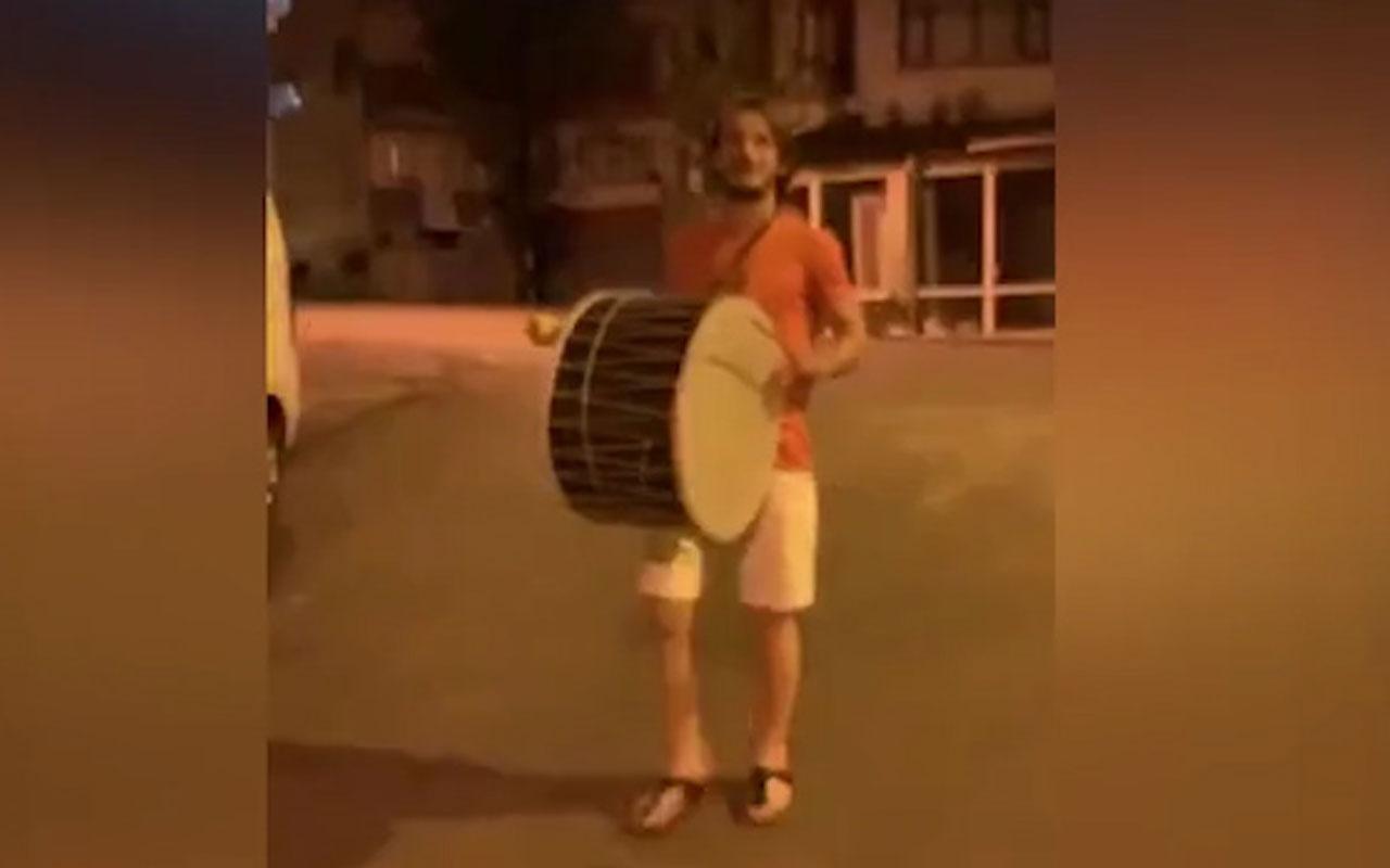 Abdulkadir Parmak, Trabzon sokaklarında davul çaldı