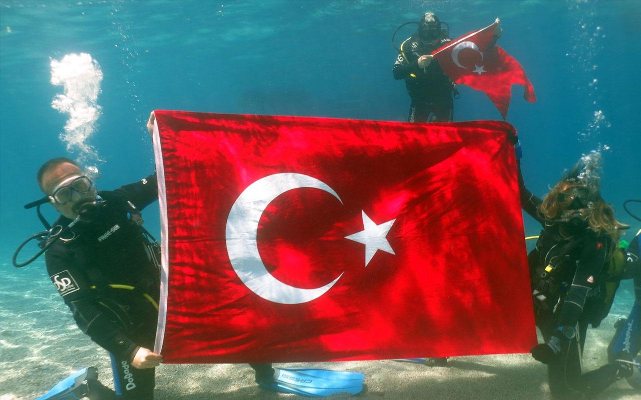 100.yılda deniz dibinde Türk bayrağı açtılar
