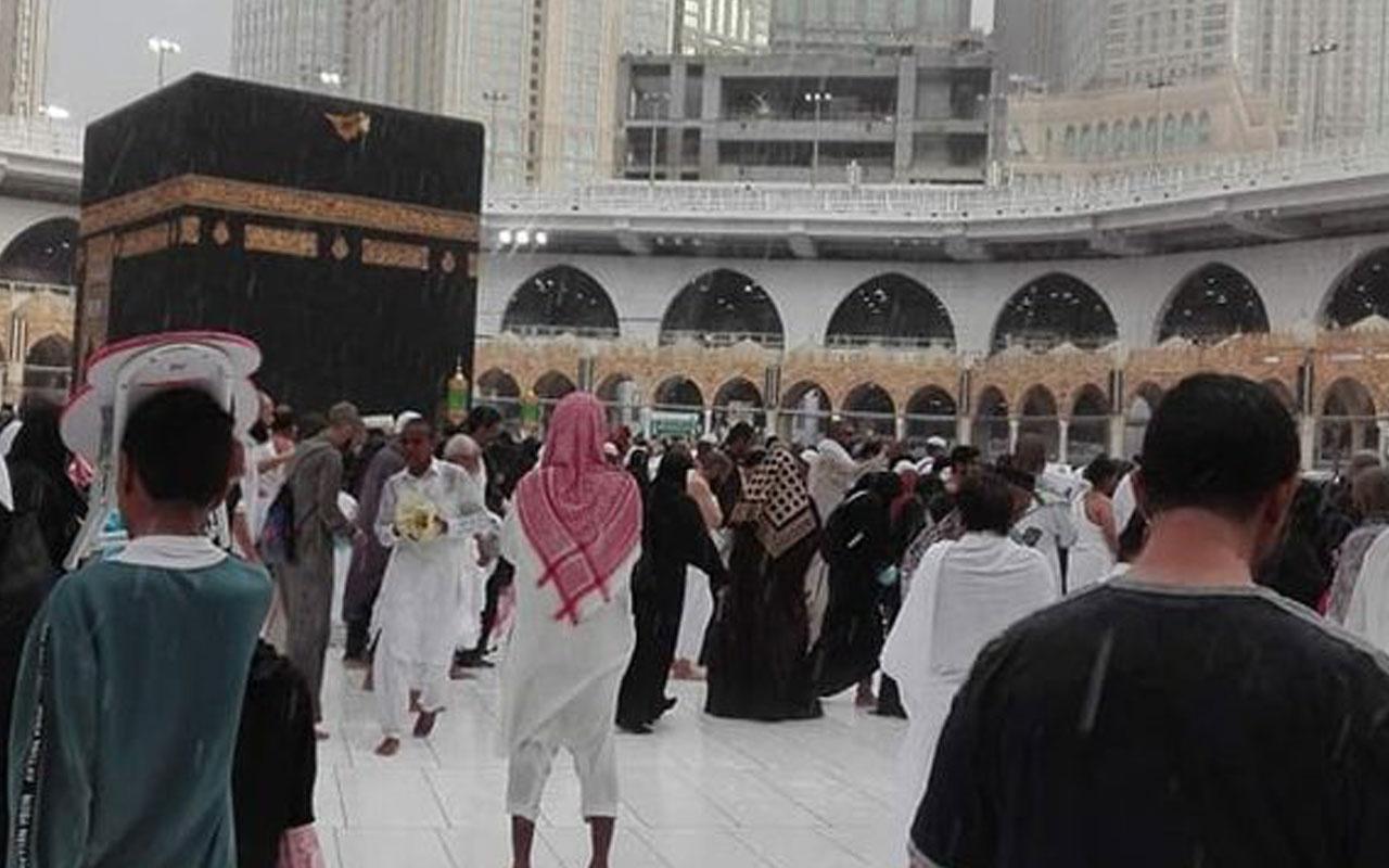 Mekke'de yağmur altında tavaf böyle kaydedildi