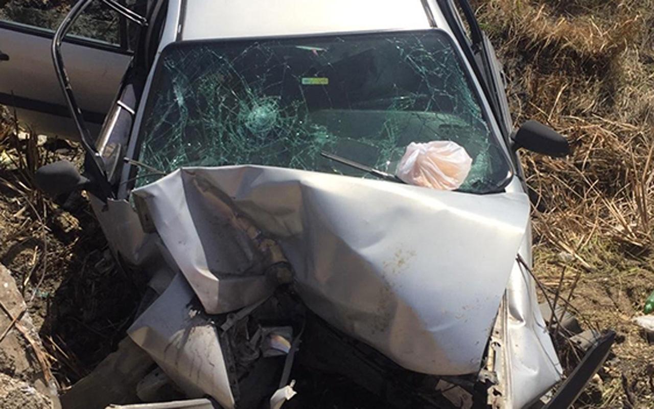 Antakya'da çocuğun kullandığı otomobil şarampole yuvarlandı: 1 ölü, 2 yaralı