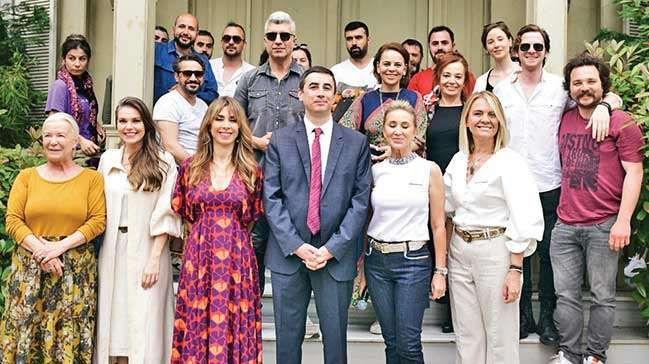 'İstanbullu Gelin' hayır duası aldı Boran Konağı'na sürpriz ziyaret