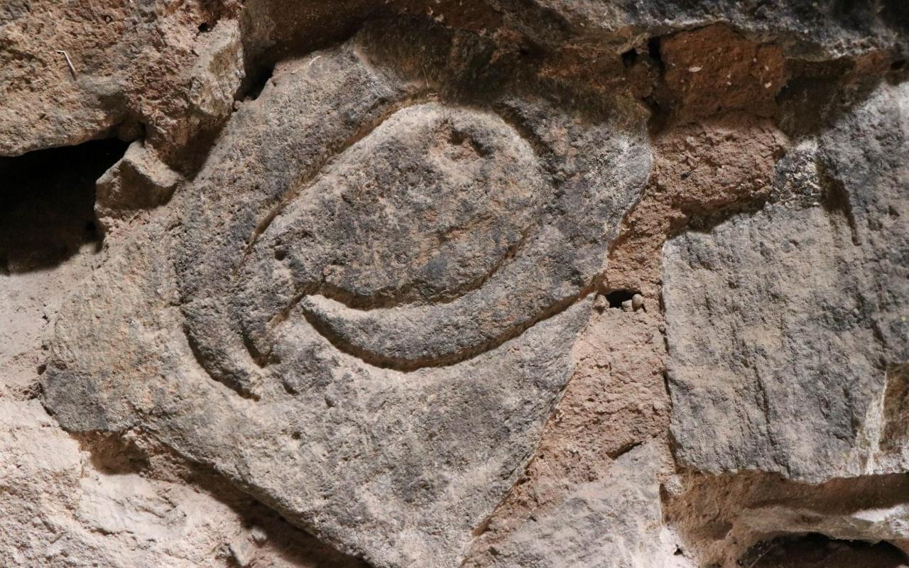Kapadokya'da ahırda hiyeroglif yazılar bulundu