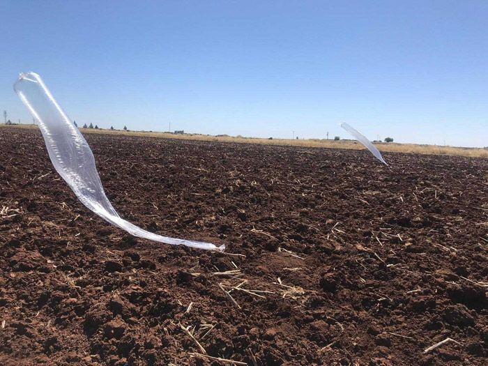 Şanlıurfa'da bir tarlaya uçan balonun içinde mühimmat düştü