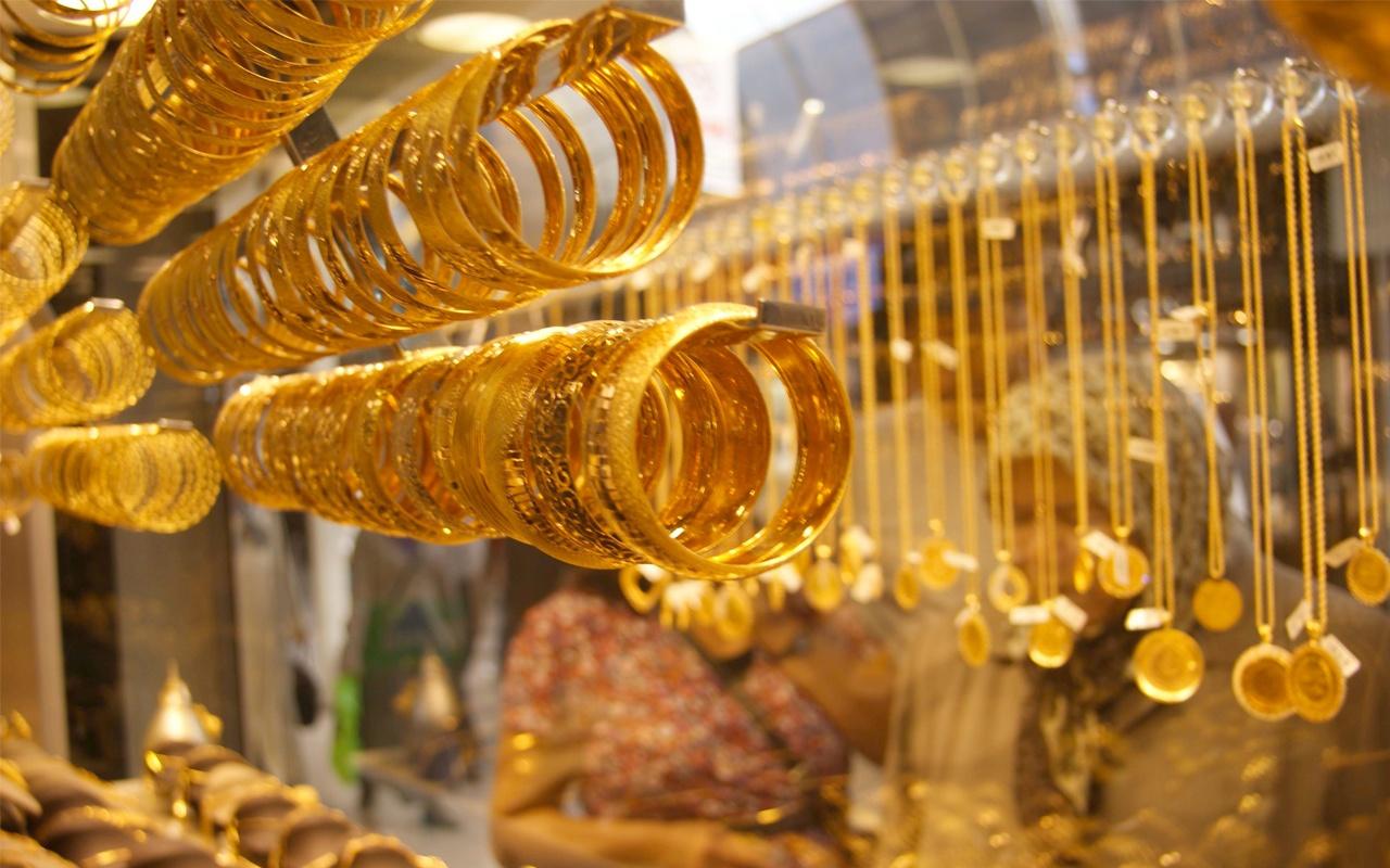 Artan fiyatlara rağmen düğünlerde en çok çeyrek altın takılıyor