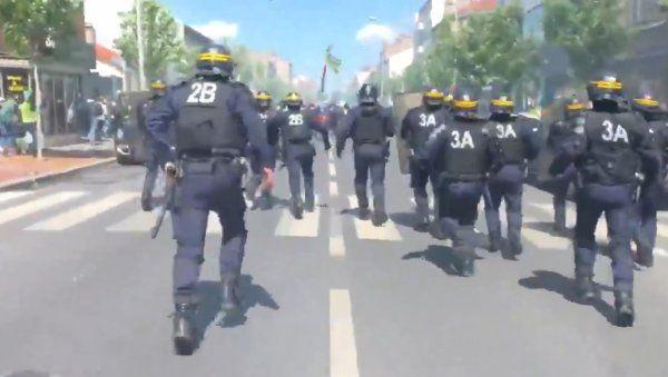 Fransa'da sarı yeleklilerin gösterileri devam ediyor - Sayfa 3