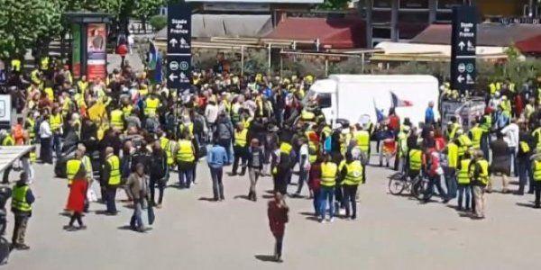 Fransa'da sarı yeleklilerin gösterileri devam ediyor - Sayfa 4