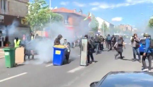 Fransa'da sarı yeleklilerin gösterileri devam ediyor - Sayfa 5