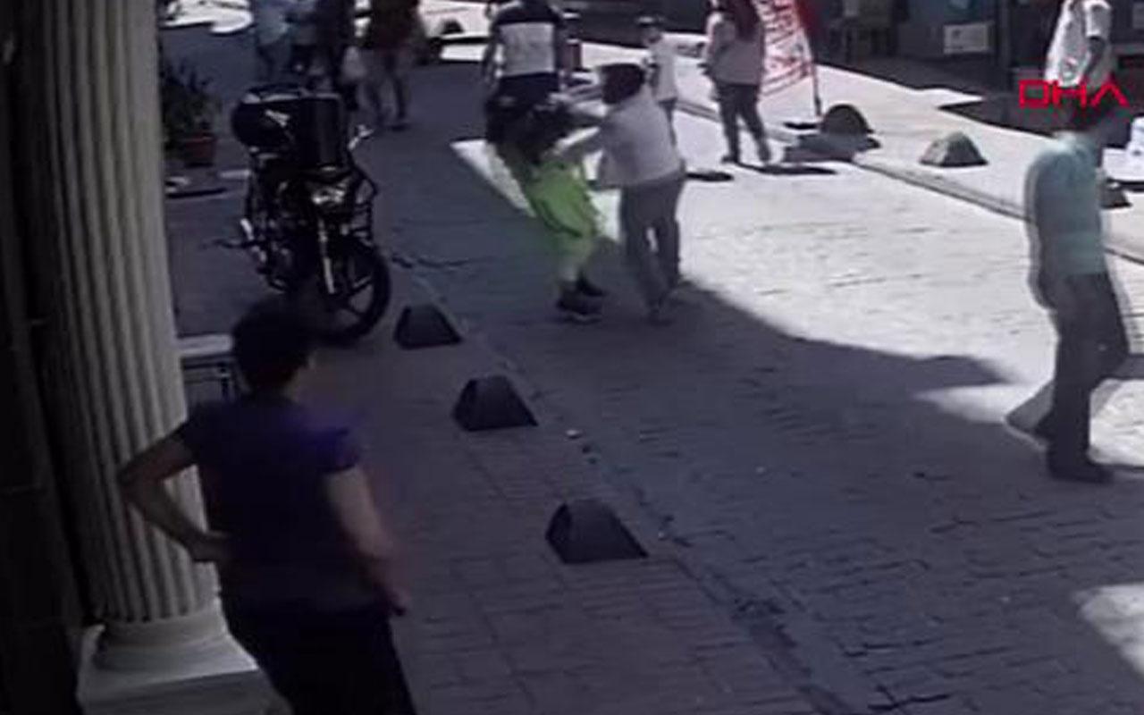 Beyoğlu'nda 2 kadına korkunç saldırı kamerada!
