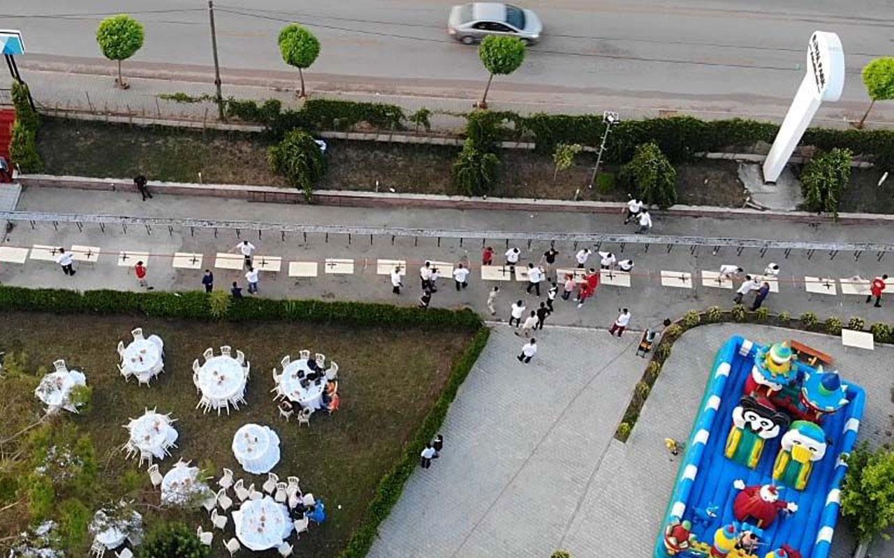 Adanalı kebapçı oğlunun düğününde 60 metrelik kebap yaptı