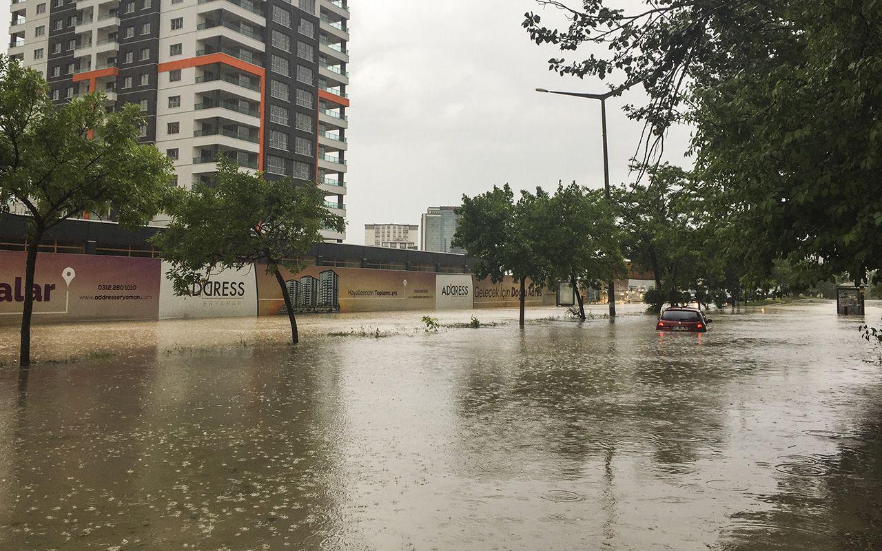 Ankara'da sağanak sele neden oldu