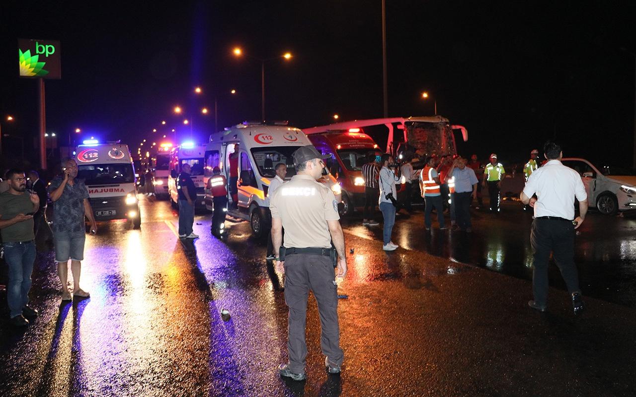 Adana'da zincirleme kaza En az 20 yaralı