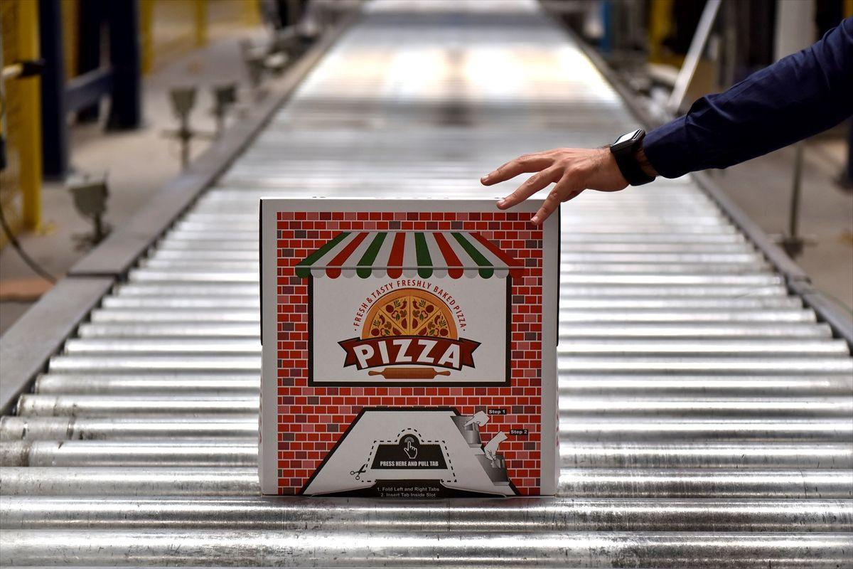 Pizzaya tüküren kuryeyi görüp üretti şimdi ABD ve Avrupa sipariş kuyruğunda