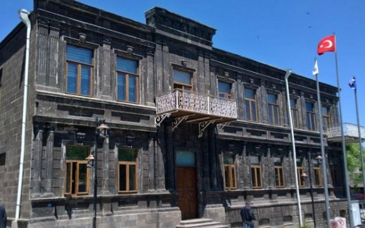 Kars Belediyesi'nin yeni logosu belli oldu Türk bayrağı var ama...