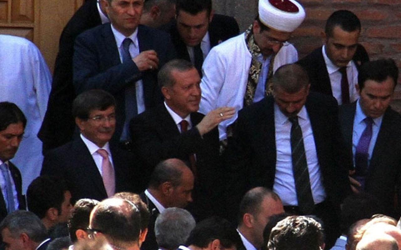 Davutoğlu'ndan Erdoğan'ın da katıldığı namaz ile ilgili açıklama
