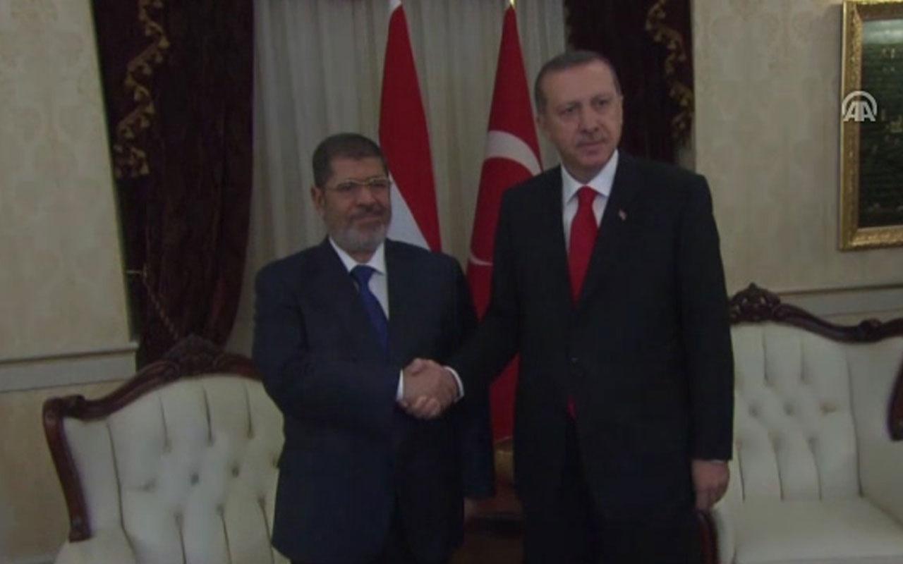 Muhammed Mursi'nin cenazesi  Kahire'de defnedildi