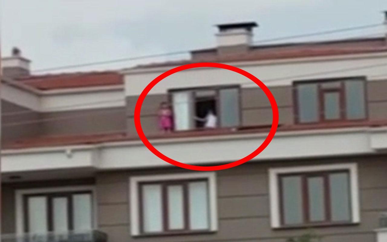 Çocukların çatı katında tehlikeli oyunu yürekleri ağza getirdi