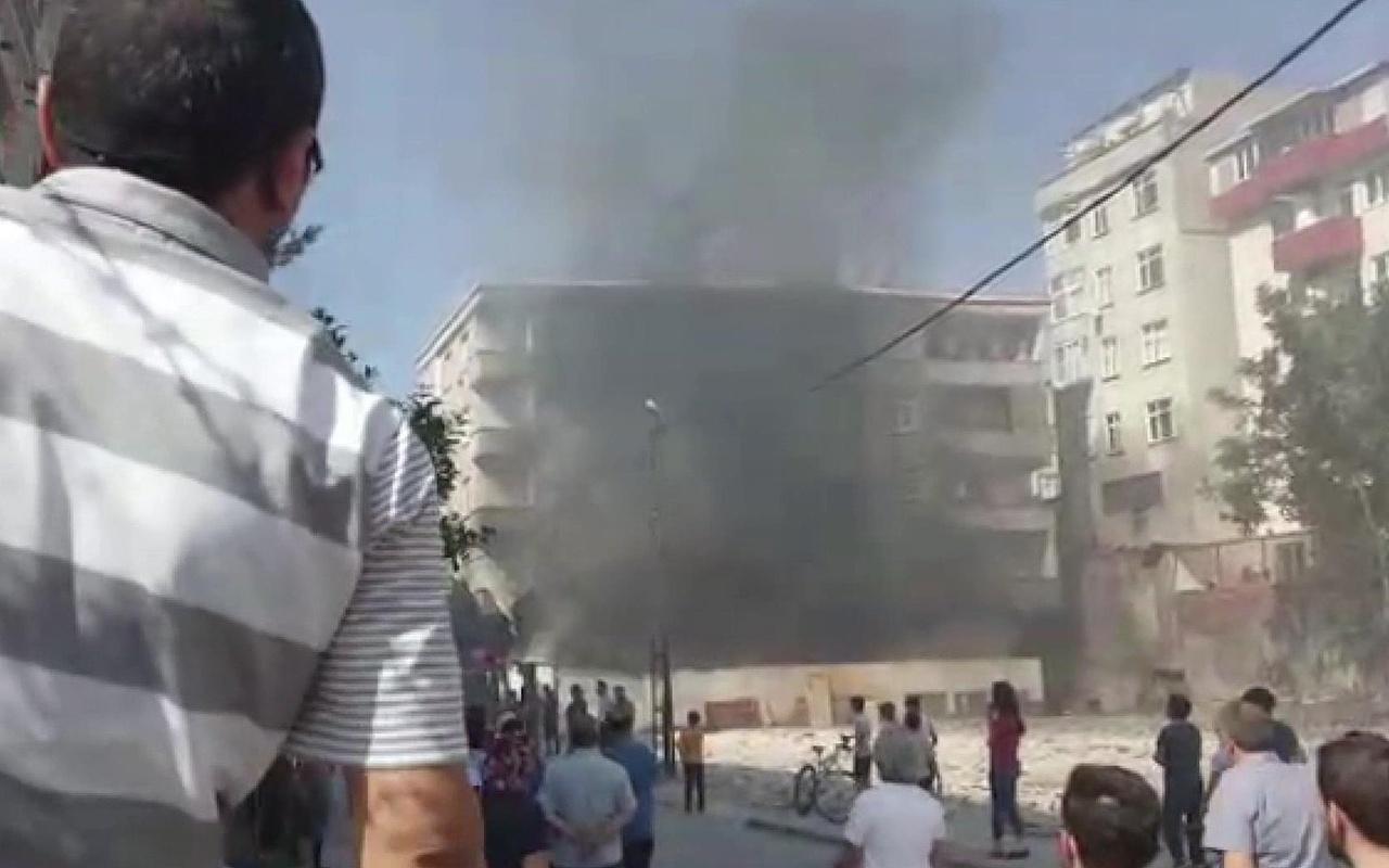 İstanbul Bağcılar'da iş yeri yangını mahalleliyi sokağa döktü