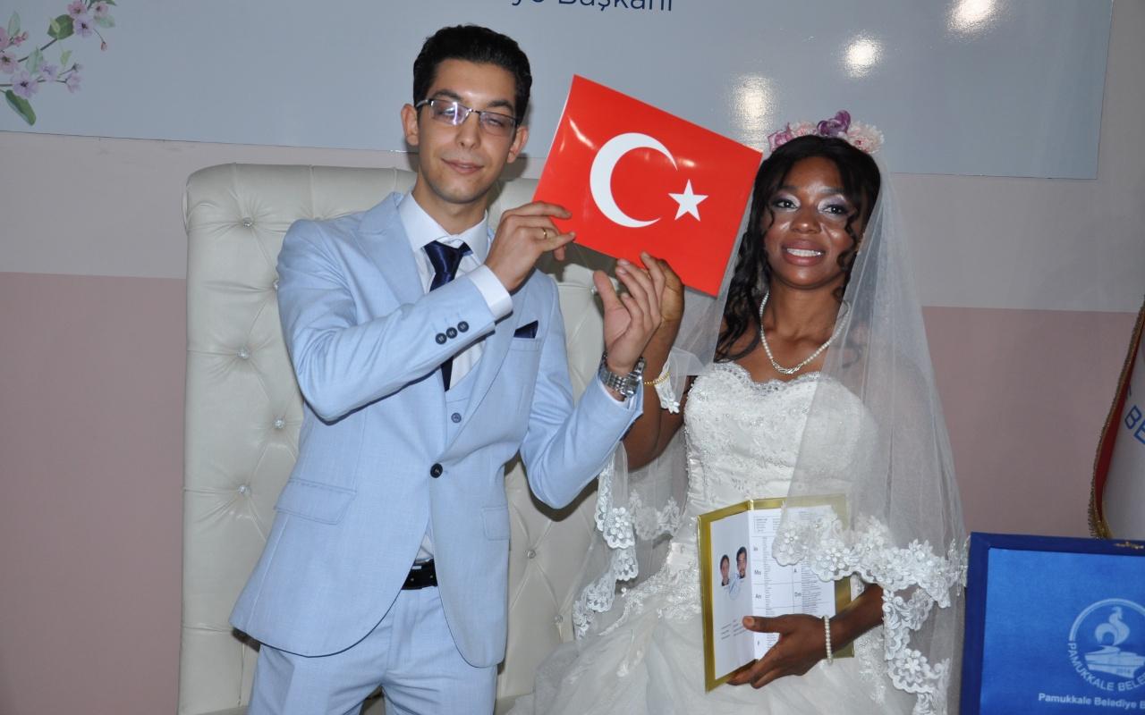 Denizlili genç babasının vasiyetini Afrikalı kızla evlenerek yerine getirdi