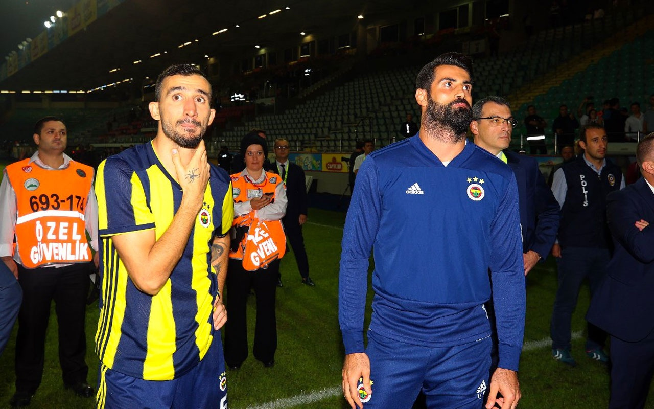 Fenerbahçe'de Mehmet Topal ile yollar ayrıldı
