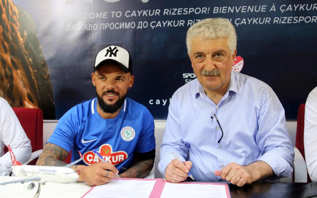 Çaykur Rizespor'da Moroziuk'tan 2 yıllık imza