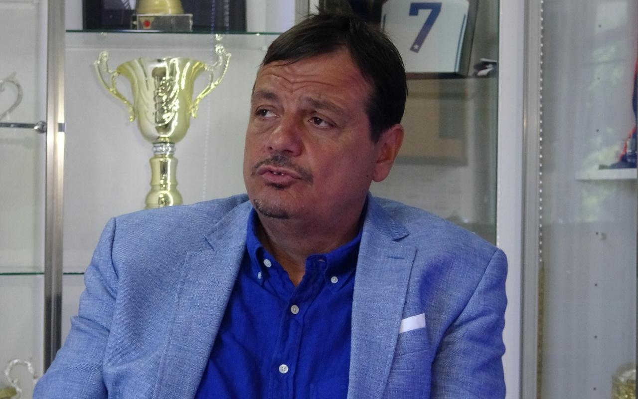 Ergin Ataman maç boyunca neden ayağa kalkmadığını anlattı