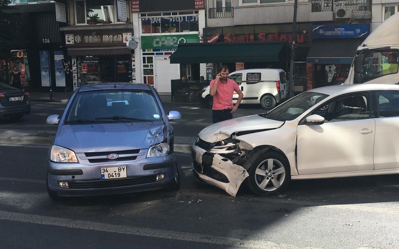 İstanbul'da feci kaza trafiği kilitledi