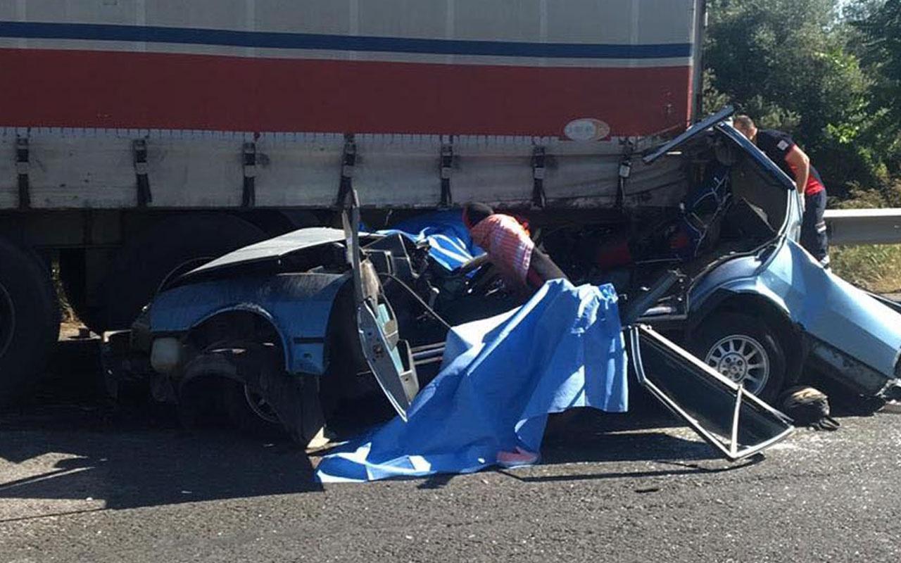 Manisa'da kaza 3 kişi öldü 2 kişi yaralandı