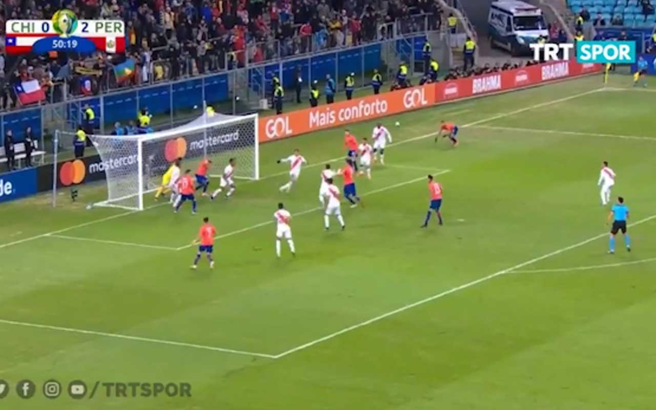 Peru Şili'yi 3-0 mağlup etti