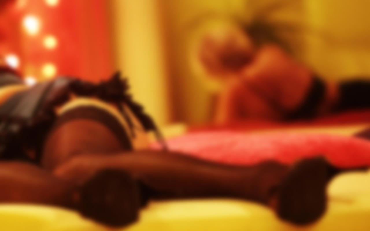 Bursa'da iki arkadaşı fuhuş pazarlığıyla otel odasında tuzağa düşürüp gasp ettiler