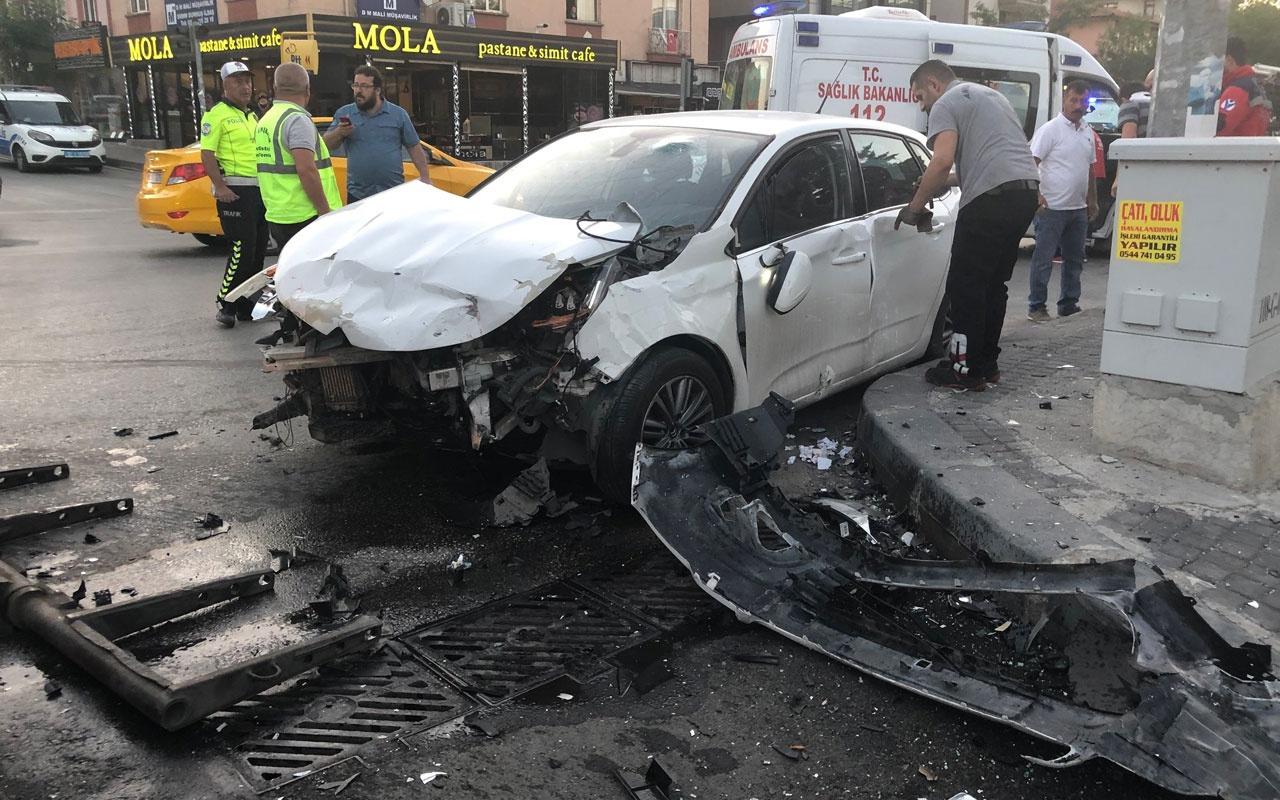 Ankara'da minibüs ile otomobil çarpıştı! Çok sayıda yaralı var