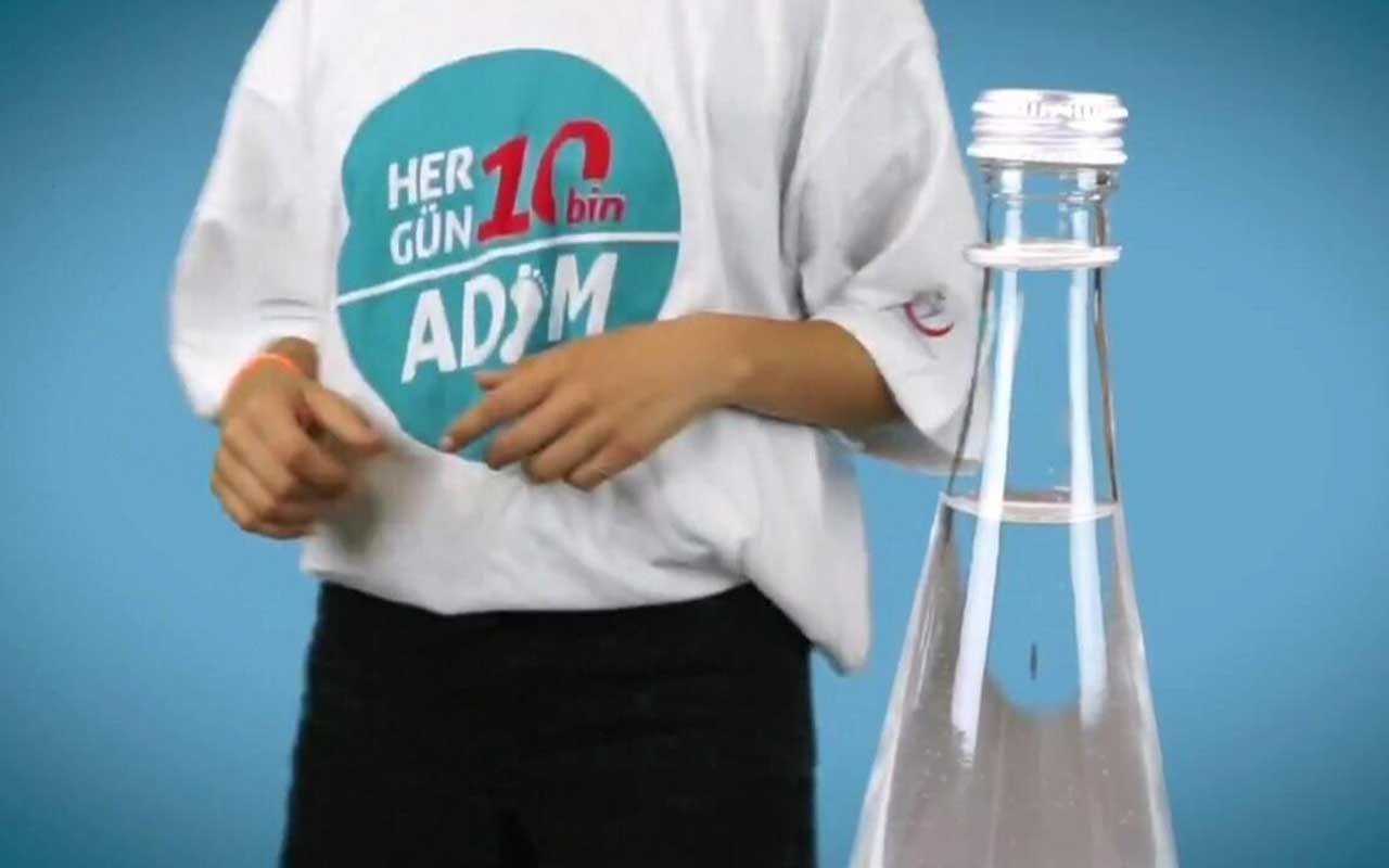 Sağlık Bakanlığı'ndan farklı mesajı ile Bottle Cap Challange videosu