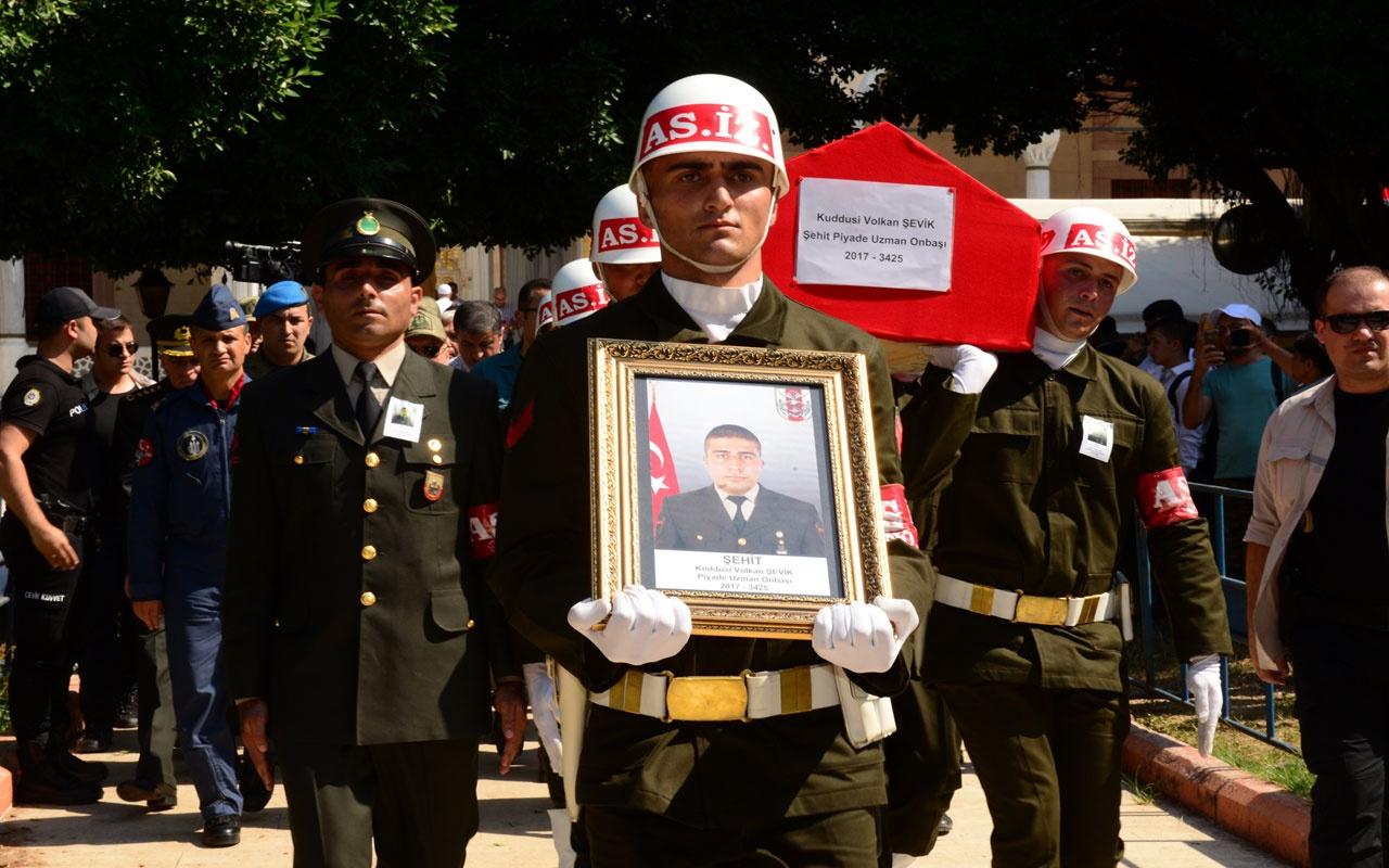 Denetleme sırasında fenalaşmıştı! Şehit Uzman Onbaşı Adana'da son yolculuğa uğurlandı