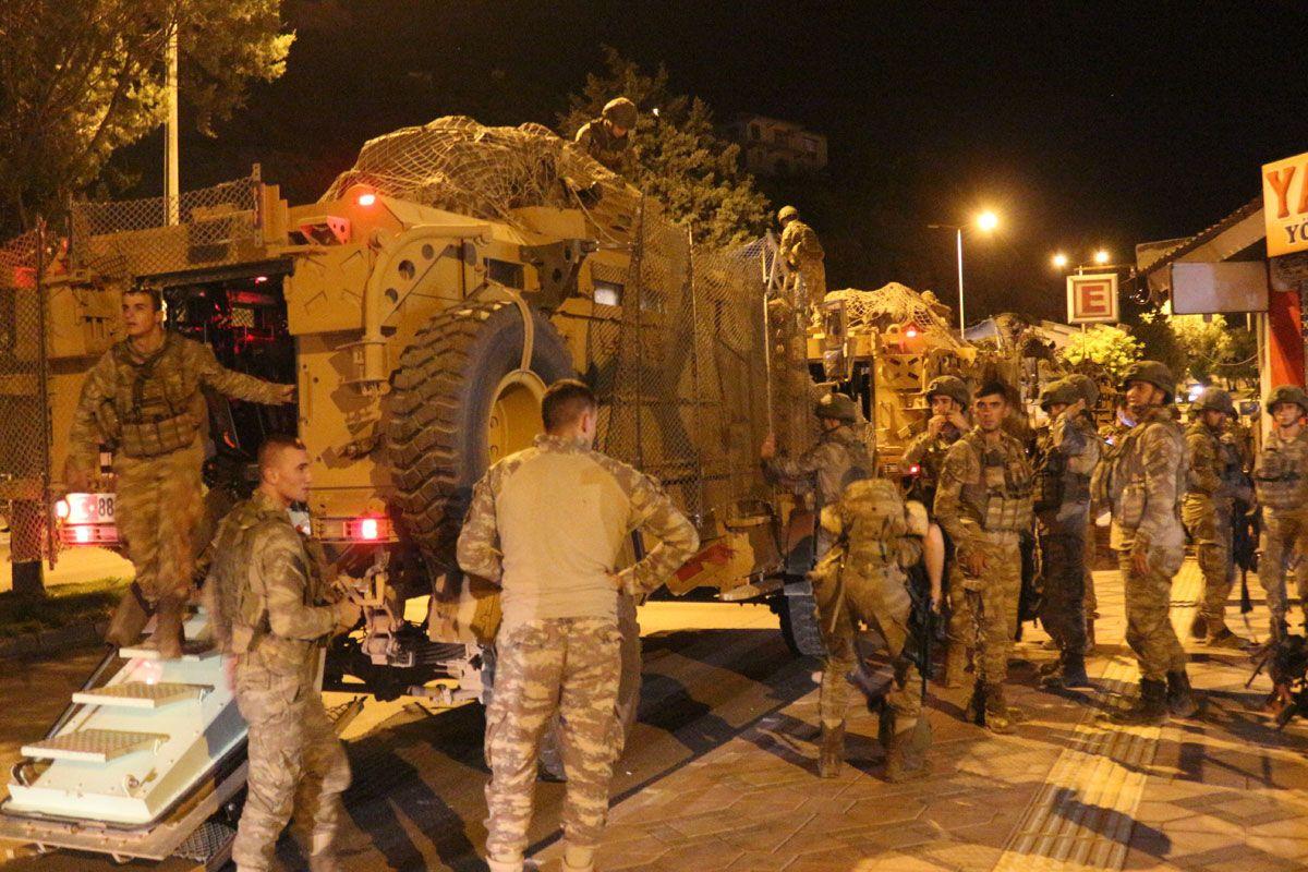Suriye sınırına askeri sevkiyat sabaha kadar sürdü neler oluyor - Sayfa 2