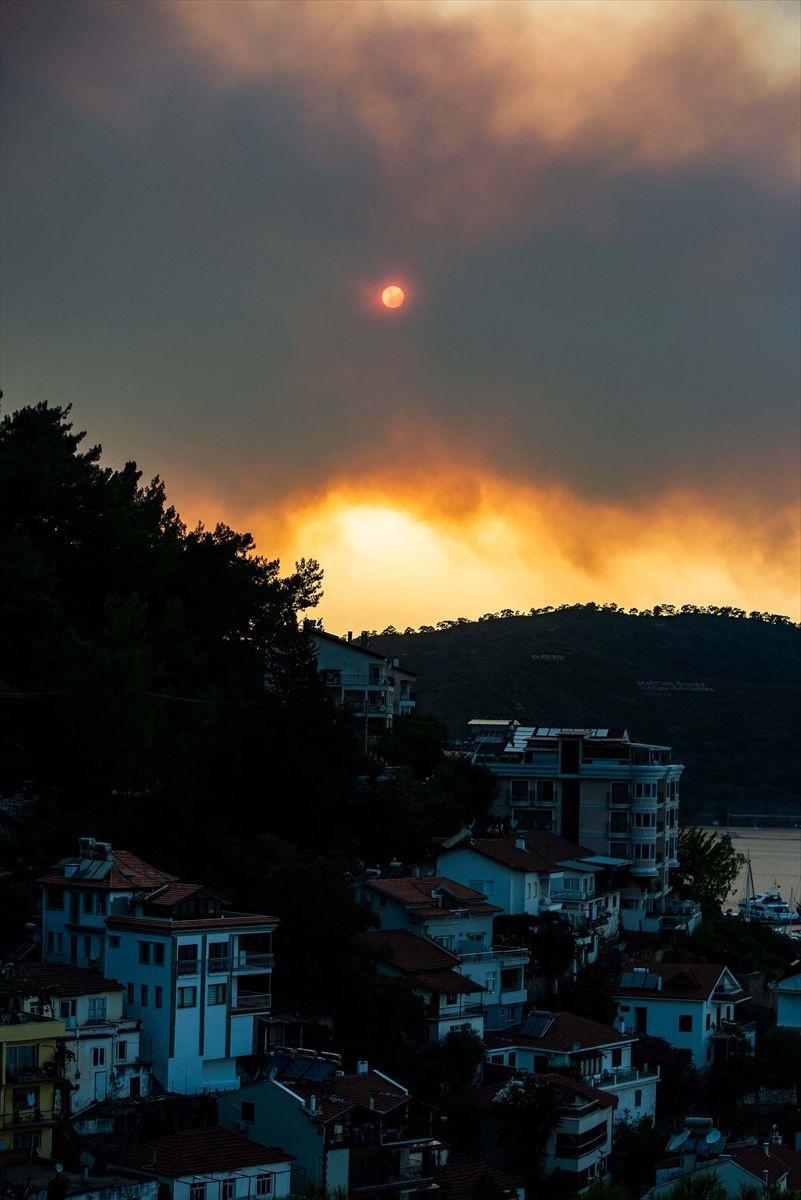 Muğla'daki orman yangınında 34 ev tahliye edildi - Sayfa 7