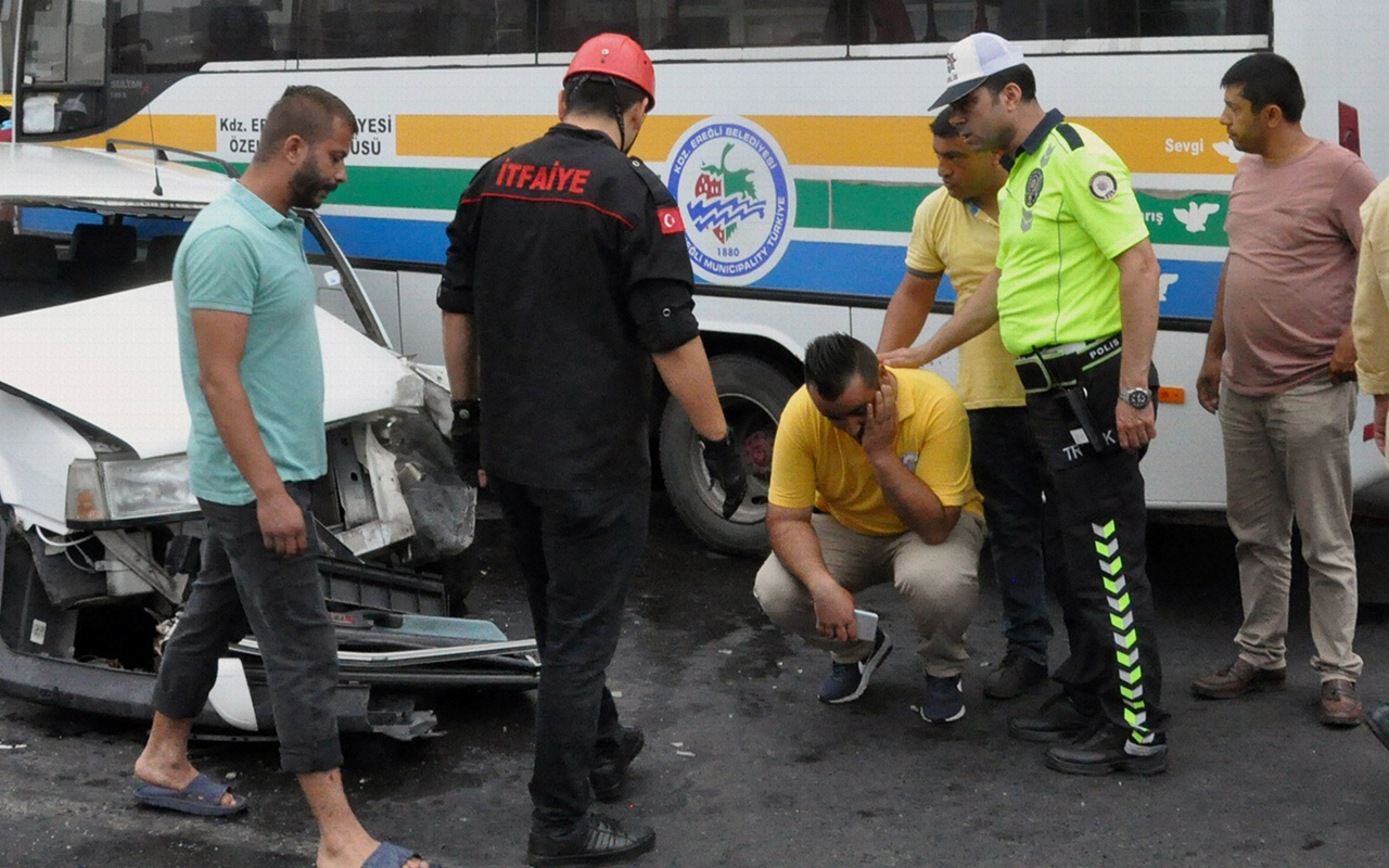 Zonguldak'ta otomobil halk otobüsüne çarptı 3 yaralı