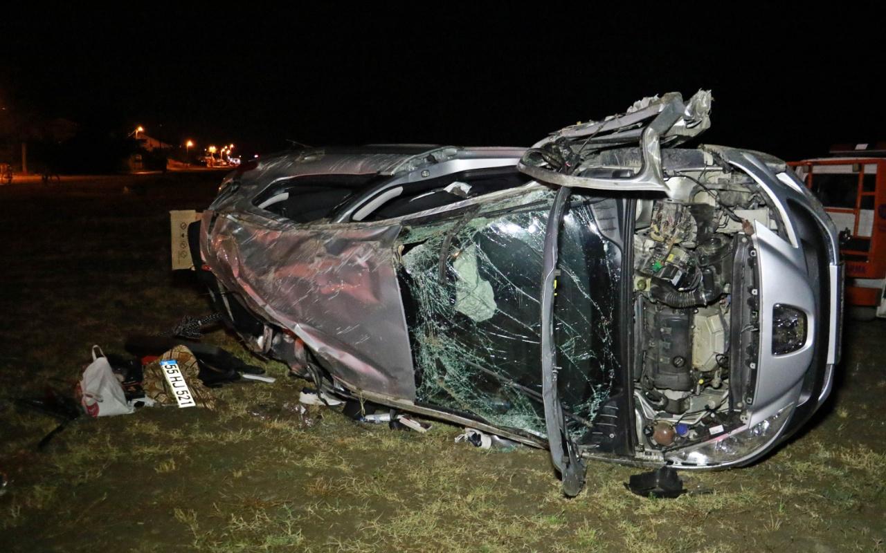 Samsun'da çocuğun kullandığı otomobil devrildi: 1 ölü, 5 yaralı