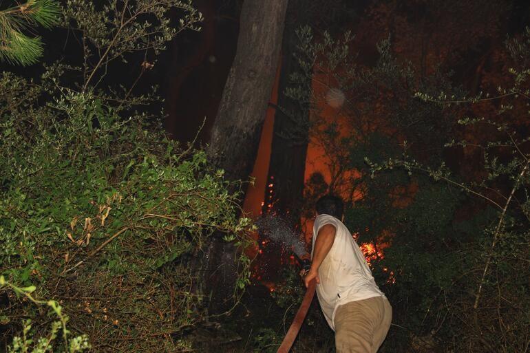 Muğla'daki orman yangınında 34 ev tahliye edildi - Sayfa 10