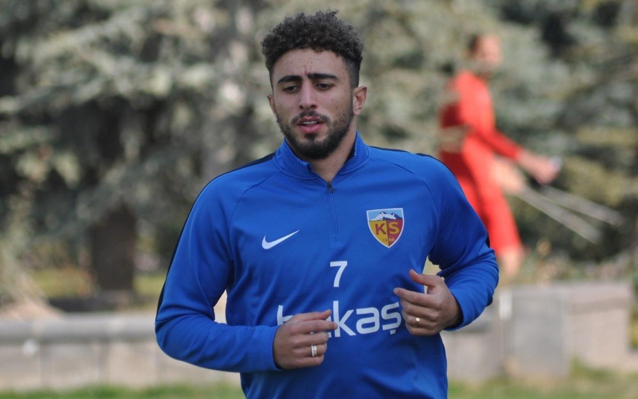 Genç futbolcu Bilal Başacıkoğlu, Kayserispor'a katıldı