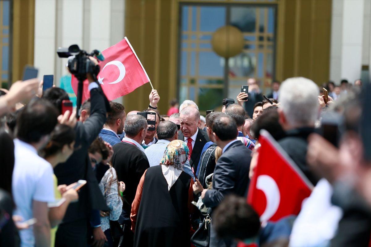 Erdoğan'ın 15 Temmuz etkinliklerinde ilk ziyareti şehitler anıtına oldu - Sayfa 2