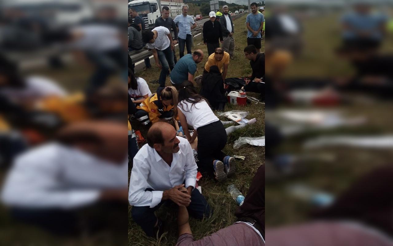 Bolu'da kontrolden çıkan otomobil refüje uçtu 5 yaralı