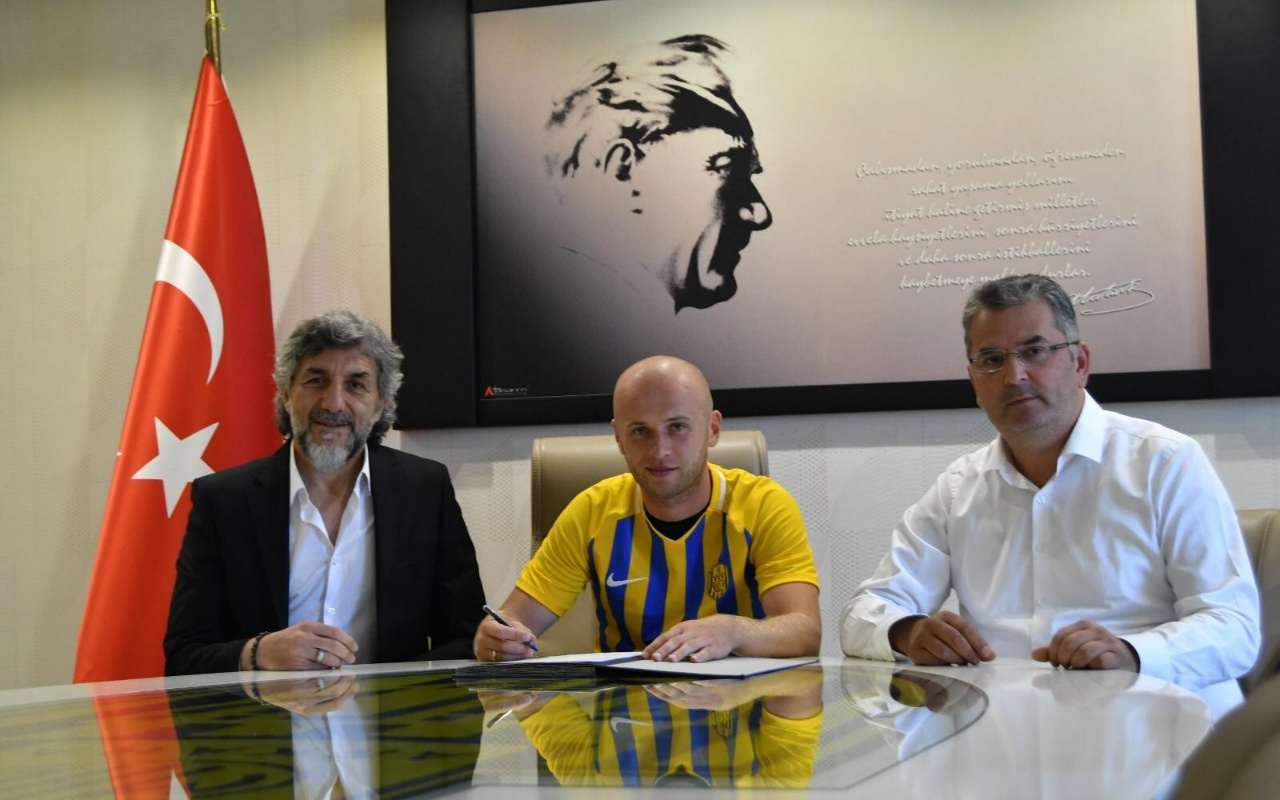 Ankaragücü, Pazdan ile sözleşme uzattı